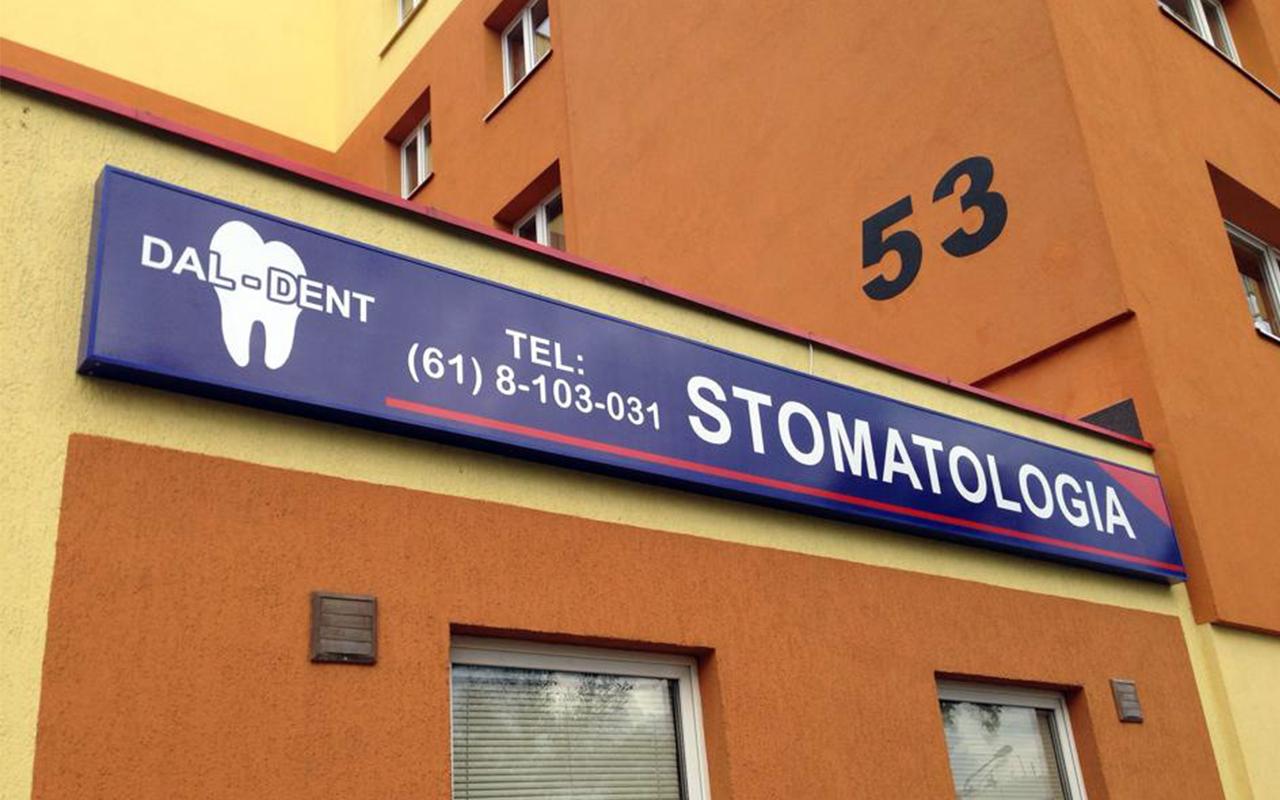 Kaseton reklamowy stomatologia